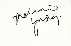 Melanie Lynskey autographed index card