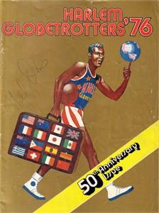 Mel Davis autographed 1976 Harlem Globetrotters basketball program
