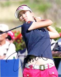 Momoko Ueda (LPGA) autographed 8x10 golf photo