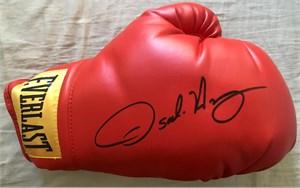 Oscar De La Hoya autographed Everlast boxing glove