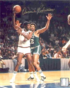 Oscar Robertson autographed Milwaukee Bucks 8x10 photo