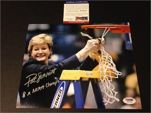 Pat Summitt autographed Tennessee Lady Vols 2007 National Championship 8x10 photo inscribed 8X NCAA Champs