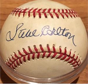 Steve Carlton autographed National League baseball
