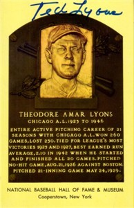 Ted Lyons autographed Baseball Hall of Fame plaque postcard