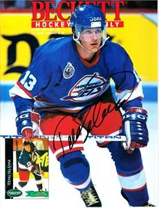 Teemu Selanne autographed Winnipeg Jets 1993 Beckett Hockey magazine