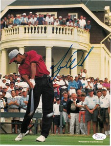 Tiger Woods autographed 1995 Stanford Golf Sports Illustrated full page action photo JSA LOA