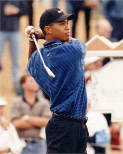 Tiger Woods vintage 8x10 golf photo (unsigned)