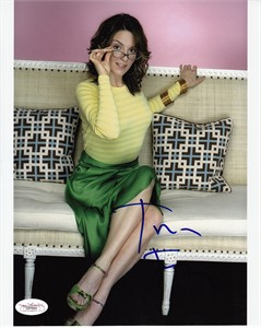 Tina Fey autographed 8x10 photo (JSA)