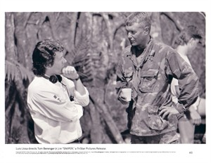 Tom Berenger 8x10 Sniper photo