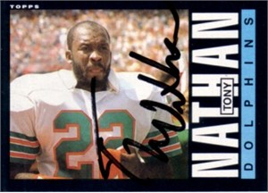 Tony Nathan autographed Miami Dolphins 1985 Topps card