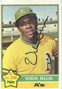 Vida Blue autographed Oakland A's 1976 Topps card