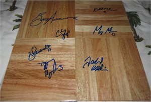 2009 UConn Women's Basketball NCAA National Champions team autographed wood floor (Geno Auriemma Tiffany Hayes Maya Moore)