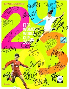 2003 US Women's World Cup Team autographed program Brandi Chastain Julie Foudy Mia Hamm Kristine Lilly Christie Rampone Abby Wambach (flawed)