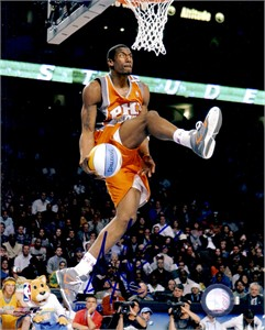 Amare Stoudemire autographed Phoenix Suns 2005 NBA Slam Dunk Contest 8x10 photo