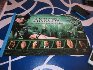 Arrow cast 2016 Comic-Con exclusive 11x17 inch mini poster