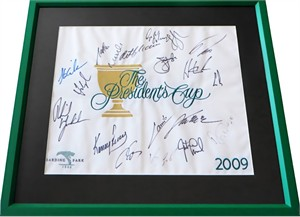2009 Presidents Cup flag with 19 autographs framed Fred Couples Ernie Els Phil Mickelson