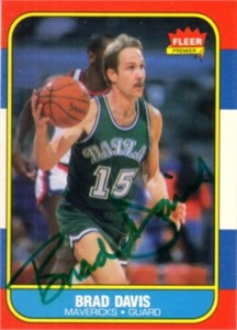 Brad Davis autographed Dallas Mavericks 1986-87 Fleer card