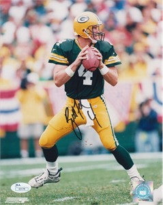 Brett Favre autographed Green Bay Packers 8x10 photo (JSA)