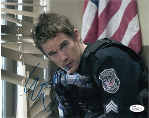 Ethan Hawke autographed Assault on Precinct 13 8x10 movie photo (JSA)
