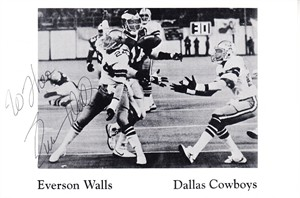 Everson Walls autographed Dallas Cowboys 4x6 postcard inscribed to Theo (JSA)