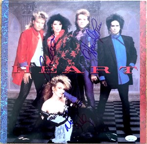 Heart autographed 1985 record album (Ann Wilson Nancy Wilson Howard Leese)