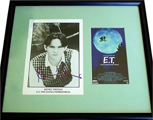 Henry Thomas autographed E.T. 8x10 movie photo matted & framed with video cover