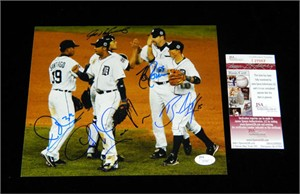2006 Detroit Tigers autographed 8x10 World Series photo JSA (Ivan Rodriguez Carlos Guillen Brandon Inge Todd Jones Ramon Santiago)