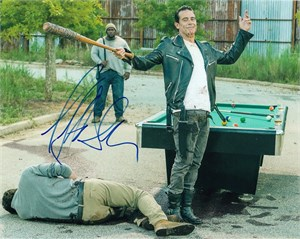 Jeffrey Dean Morgan autographed Walking Dead 8x10 Negan photo with bat