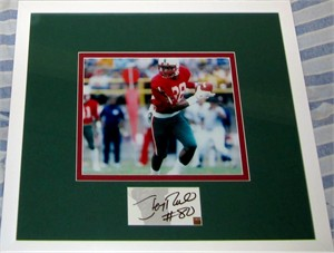 Jerry Rice autograph matted & framed with Mississippi Valley State 8x10 photo