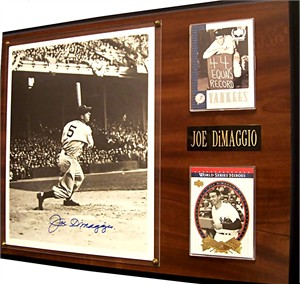 Joe DiMaggio autographed New York Yankees 8x10 photo in plaque