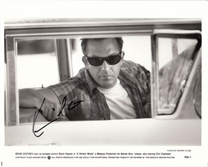Kevin Costner autographed A Perfect World 8x10 black & white photo