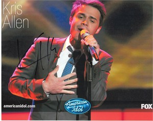 Kris Allen autographed 2009 American Idol 8x10 photo