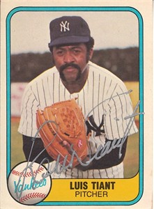Luis Tiant autographed New York Yankees 1981 Fleer card