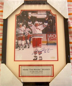 Mark Messier autographed Rangers 1994 Stanley Cup 8x10 photo inscribed 94 Cup matted & framed (Steiner)