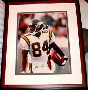 Randy Moss autographed Minnesota Vikings 16x20 poster size UDA photo matted & framed #157/208