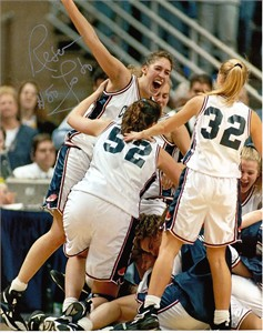 Rebecca Lobo autographed UConn Huskies 1995 NCAA Championship 8x10 celebration photo