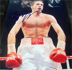 Sergio Mora autographed 8x10 boxing photo