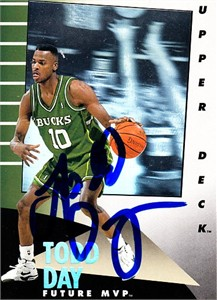 Todd Day autographed Milwaukee Bucks 1992-93 Upper Deck Future MVP hologram card