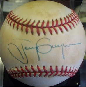 Tony Gwynn autographed National League baseball (minor age discoloration)