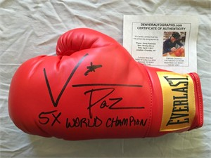 Vinny Pazienza autographed Everlast boxing glove inscribed 5X WORLD CHAMP