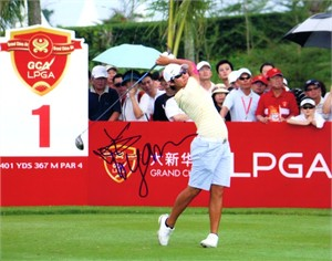 Yani Tseng autographed 2008 Grand China Air LPGA 8x10 photo