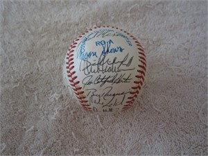 New York Yankees Greats autographed AL baseball (Catfish Hunter Don Mattingly Moose Skowron Dave Winfield)