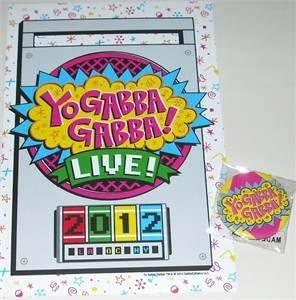 Yo Gabba Gabba 2012 Comic-Con promo card and 2 buttons or pins set MINT